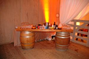 Where to rent Wine Barrel Bar in San Francisco Bay Area